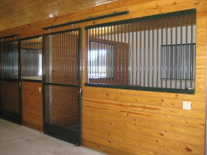 stall_barn_door_steel_sliding_bar_round_2