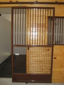 stall_barn_door_steel_sliding_bar_round_9