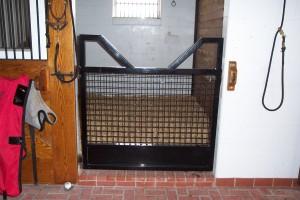 stall_barn_door_steel_hinged_1