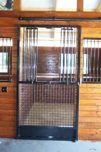 stall_barn_door_steel_sliding_bar_round_4