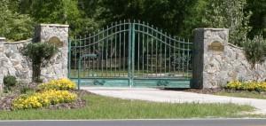 custom_fabricated_decorative_metal_swing_steel_entrance_estate_farm_ranch_driveway_gate_2