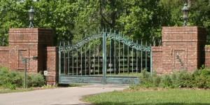custom_fabricated_metal_swing_farm_aluminum_entrance_estate_farm_ranch_driveway_gate_1