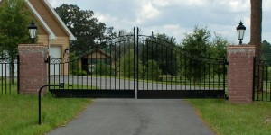 custom_fabricated_metal_swing_steel_ornamental_entrance_estate_farm_ranch_driveway_gate_1