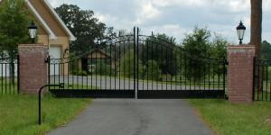 custom_fabricated_metal_swing_steel_ornamental_entrance_estate_farm_ranch_driveway_gate_1