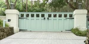 custom_fabricated_metal_swing_steel_split_entrance_estate_farm_ranch_driveway_gate_1