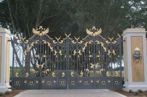 custom_fabricated_metal_steel_scrollwork_entrance_estate_farm_ranch_driveway_gate_with_scrollwork_