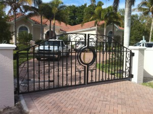custom_fabricated_personalized_metal_swing_steel_entrance_estate_farm_ranch_driveway_gate_
