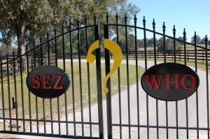 custom_fabricated_personalized_metal_swinging_steel_entrance_estate_farm_ranch_driveway_gate_12