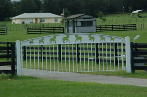 custom_fabricated_personalized_metal_swinging_steel_entrance_estate_farm_ranch_driveway_gate_14