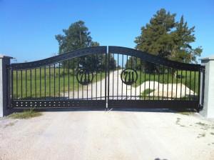 custom_fabricated_personalized_metal_swinging_steel_entrance_estate_farm_ranch_driveway_gate_15