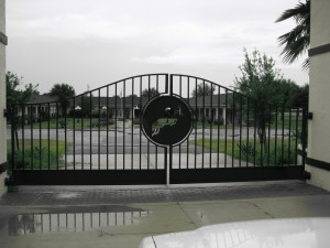 custom_fabricated_personalized_metal_swinging_steel_entrance_estate_farm_ranch_driveway_gate_2
