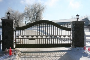 custom_fabricated_personalized_metal_swinging_steel_entrance_estate_farm_ranch_driveway_gate_6