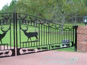 custom_fabricated_personalized_metal_swinging_steel_entrance_estate_farm_ranch_driveway_gate_7
