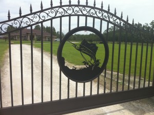 custom_fabricated_personalized_metal_swinging_steel_entrance_estate_farm_ranch_driveway_gate_8