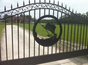 custom_fabricated_personalized_metal_swinging_steel_entrance_estate_farm_ranch_driveway_gate_8