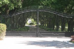 custom_powdercoated_metal_swing_steel_entrance_estate_farm_ranch_driveway_gate_1